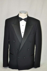 double breated dinner suit_081